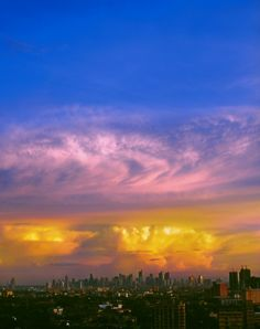 """<.
