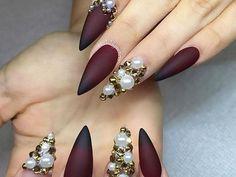 Vas a querer probar esta nueva moda de perlas en tus uñas [FOTOS] | ActitudFEM