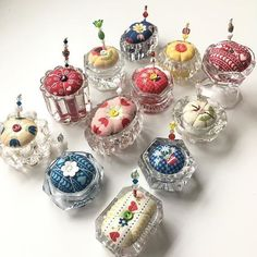 Pretty pin cushions using salt cellars. Shared from 'One & only Eclectic Lady'. Fabric Crafts, Sewing Crafts, Sewing Projects, Craft Projects, Vintage Crafts, Vintage Sewing, Bijoux Fil Aluminium, Unique Mothers Day Gifts, Sewing Accessories