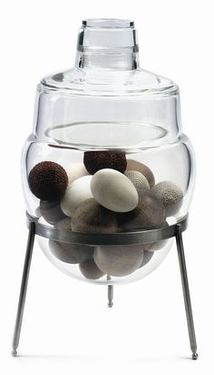 Cristiano Bianchin (Italian, b. 1963). Urna, Raccoglitore di Pensiero (Urn, Thought Collector), 2007. Hand-blown, ground and polished glass, wood, crocheted hemp, steel. Courtesy of the artist and Barry Friedman Ltd., from Venice. 3 Visions in Glass – Cristiano Bianchin, Yoichi Ohira, Laura de Santillana at Nelson-Atkins Museum of Art, March 6-August 15, 2010.