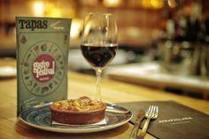El mítico Restaurante Atrapallada participa en #Gastrofestival con dos menús (uno de ellos cardiosaludable, revisado por la Fundación Española del Corazón) y dentro de Nuestras barras favoritas con un Rioja http://www.gastrofestivalmadrid.com/ (foto: Javier Peñas)
