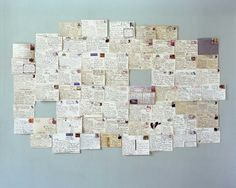 un quadro di cartoline