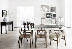 Hoy en el post de @macarenagea podemos encontrar sillas Lyon naturales de nuestra e-shop. #leones #chairs #interiorismo #deco #decoracion #macarenagea #industrialfurniture Mobiliario de Estilo Vintage e Industrial Singular Market. Entra en nuestra e-shop y echa un vistazo a todo lo que podemos ofrecerte!