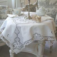مفرش المائدة