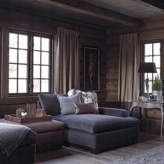 Ideas for Decorating a Family Room with Rustic Cabin Style Chalet Interior, Interior Design, Cabin Homes, Log Homes, Home And Living, Living Room, Cabin In The Woods, Velvet Couch, Lodge Style