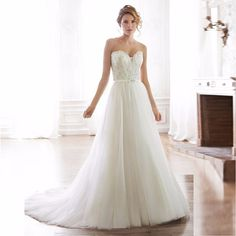 Sweetheart Lace Appliques Long Wedding Dress