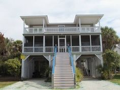 """3509 Palmetto Blvd - """"Tootsies in the Sand"""""""