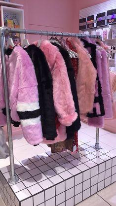 r o s e e - x g o l d❤¡¡¡ ✿ ❀¸¸¸. Bad Girl Aesthetic, Aesthetic Clothes, Pink Fashion, Fashion Outfits, Womens Fashion, Fashion Black, Fashion Clothes, Fashion Fashion, Fashion Tips