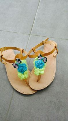 handmade sandals with flower bows resin blue flower and yellow lace only for pin up girls!!! #sandals #summer #summersandals #pinup #resin #flower #handmade #χειροποιητα #σανδαλια Pin Up, Bows, Pearls, Sandals, Summer, Handmade, Rhinestones, Arches, Shoes Sandals