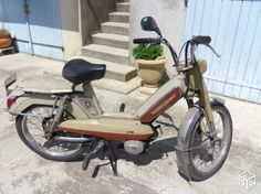 Cyclomoteur Peugeot 103                                                                                                                                                                                 Plus Peugeot 103, Moto Scooter, Pregnancy Pillow, 50cc, Mario Kart, All Cars, Cars Motorcycles, Mopeds, Bike