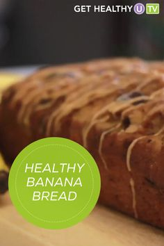 Check out this healthy chocolate chip banana bread that's made with simple ingredients and less sugar. Healthy Banana Bread, Chocolate Chip Banana Bread, Banana Bread Recipes, New Recipes, Vegan Recipes, Favorite Recipes, Sweet Potato Pancakes, Healthy Chocolate, Health Tips
