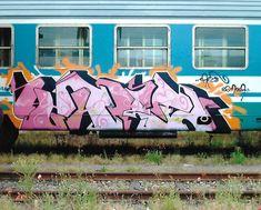 Simply painting. #treni #trains #writing #graffiti #pink #aerosolart #sprayart