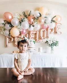 The details of this first birthday party were amazingly beautiful! Look at that wall with her name! Stunning @ardenelise Photo by…