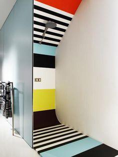 #Striped Shower Stall At Corian Loves Missoni Duschkabine, Wandgestaltung,  Farben, Badezimmer Einrichtung