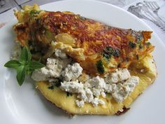 Kulinarne Wariacje: Omlet z białym serem i cebulą