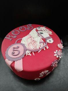 Paarden taart, Horse cake