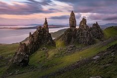 Sunset at Old Man Storr in the Isle of Skye Monument Valley, Mountains, Sunset, Nature, Travel, Rocks, Naturaleza, Viajes, Destinations