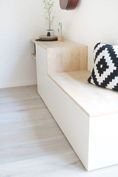 Do it yourself: Besta and wood become a sideboard with si .- Do it yourself: Aus Besta und Holz wird ein Sideboard mit Sitzbank DIY Sideboard with Besta Bench by Ikea Build Your Own – Gingered Things - Entrada Ikea, Interior Ikea, Interior Design, New Swedish Design, Diy Bank, Diy Home Decor, Room Decor, Wall Decor, Diy Furniture