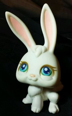 Littlest Pet Shop White Bunny Rabbit Blue Eyes Pink Magnet LPS #3 Hasbro 2004 #Hasbro