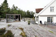 """IDYLL: Ekteparet Kleiven bestemte seg for å kjøpe en såkalte hagestue, også kalt """"Cube"""", i stedet for å bygge på huset. Se flere bilder ved å klikke på linken under. Idé: Familien Kleiven, Haugseund. Foto: Grethe Nygaard/haugesund-avis.no"""