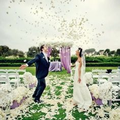 Aisle Petals - How To Use Flowers On A Wedding