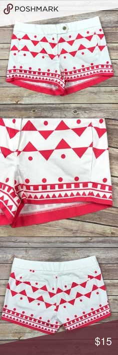 "J. Crew 3"" Chino Pink White Geometric Print Shorts J. Crew 3"" Chino Pink White Geometric Print Stretch Shorts  Size 4 Gently pre-owned. No flaws to note.  Measurements taken laying flat: waist- 15"" rise- 8.5"" inseam- 3""  Inventory C9 J. Crew Factory Shorts"