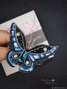 Бабочка брошь в интернет-магазине на Ярмарке Мастеров. _____________________________________ - кристаллы Сваровски (Австрия) кристалл - жемчуг - японский бисер,бусины чех,мулине dmc - пайетки (Италия). Brooches Handmade, Vintage Brooches, Flower Brooch, Brooch Pin, Butterfly Gifts, Dmc Floss, Crystal Brooch, Swarovski Crystals, Jewelery