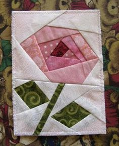 Rose Quiltagram (foundation piecing) FREE pattern -- like the O'Keefe vibe of… Quilt Square Patterns, Paper Pieced Quilt Patterns, Quilt Patterns Free, Free Pattern, Foundation Patchwork, Foundation Paper Piecing, Colchas Quilt, Quilt Blocks, Patchwork Quilting
