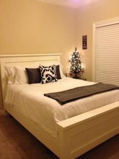 Farmhouse queen sized bed | Do It Yourself Home Projects from Ana White
