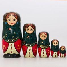 """Barynya-Sudarynya Барыня-Сударыня Barynya is a fast Russian folk dance and music. The word barynya (Russian: Барыня, landlady) was used by simple folk as a form of addressing to a woman of higher class, a feminine form for the word """"barin"""", landlord."""