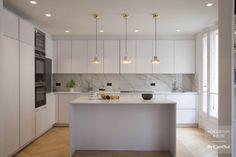 Kitchen Room Design, Modern Kitchen Design, Home Decor Kitchen, Home Kitchens, Modern Kitchen Island, Open Plan Kitchen, Paris Kitchen, New Kitchen, Condominium Interior