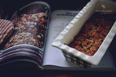 Rhubarb-coconout crumble