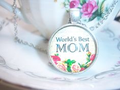 World's Best Mom Glass Pendant Necklace