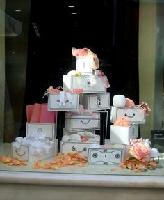 Casa dos Forros | Traditional Haberdashery store from Porto, Portugal | Shop Window by Regina Pinheiro Studio | 2013