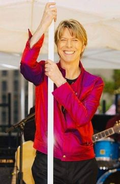 """Concert """"The Today Show"""" New York 2002☇ Images Of David Bowie, Iman And David Bowie, David Bowie Music, David Bowie Fashion, David Bowie Pictures, David Bowie Born, David Bowie Starman, David Bowie Tribute, David Bowie Ziggy"""