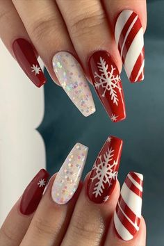 Lovely snowflakes red Christmas nails set with glitter & candy cane nails. Christmas Nails 2019, Chistmas Nails, Xmas Nail Art, Christmas Nail Art Designs, Xmas Nails, Holiday Nails, Red Nails, Winter Christmas, Red Nail Polish