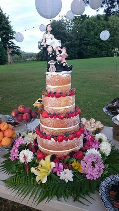 years' Experience as Wedding Planner * UK s top 1 Luxury Event and Wedding Planners Based in London * Wedding Planner in London, Essex and Surrey Wedding Planner Uk, London Wedding, Real Weddings, Wedding Cakes, Naked, Luxury, Wedding Gown Cakes, Cake Wedding, Wedding Cake