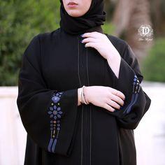أرقى وأفخم عبايات الصيف في دار الجود ،،، السالمية شارع بغداد ت: ٢٥٧٢٥٧٧٢ New Abaya Style, Abaya Fashion, Women's Fashion, Malificent, Moroccan Caftan, Mode Hijab, Summer Collection, Cloths, Embroidery Designs