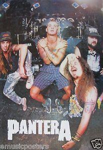 Pantera-Grupo-posando-en-la-parte-delantera-de-tambores-Cartel-De-Asia-Thrash-Metal-Musica