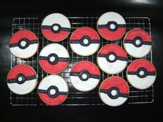 For Mandy Brown! Pokemon cookies and 8 more edible pokeball recipes. Pokemon Birthday, Pokemon Party, 7th Birthday, Pokemon Snacks, Birthday Ideas, Birthday Parties, Sugar Cookies Recipe, Royal Icing Cookies, Macaroons