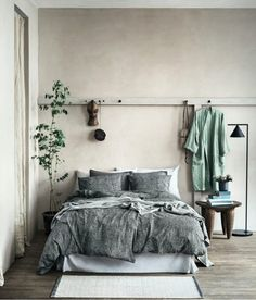 How Japanese Interior Layout Could Boost Your Dwelling Washed Linen Pillowcase - Gray - Home All H&M Us 1 Cozy Bedroom, Home Decor Bedroom, Decor Room, Bedroom Ideas, Bedroom Inspiration, Bedroom Plants, Bedroom Designs, Bedroom Romantic, Bedroom Furniture