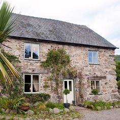 Exterior | Welsh farmhouse | Country Homes & Interiors house tour | PHOTO GALLERY | Housetohome