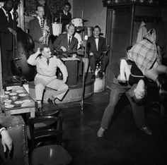 Jazzclub Casablanca, Amsterdam 1955 by Ed van der Elsken Amsterdam, Photo Ed, Andre Kertesz, Jazz Club, Jaz Z, Youth Culture, Jazz Music, Casablanca, World War Two