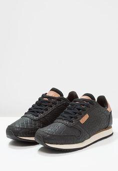 e8bbb77d31b568 Schoenen Woden YDUN CROCO - Sneakers laag - black Zwart  € 109