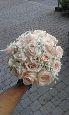 Fantastic Images Bridal Bouquets beach Tips One of the most vital wedding gown accessories, the actual marriage bouquet, is prepared according to the fads. Small Wedding Bouquets, Cascading Bridal Bouquets, Rose Bridal Bouquet, Bride Bouquets, Bridal Flowers, Floral Bouquets, Bridesmaid Bouquet, Dusty Rose Wedding, Deco Floral