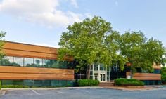 Photo of the exterior of the Largo-Kettering Branch Library.