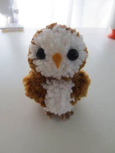 Make Your Owl Pom Pom Owl (with semi vague tute) - MISCELLANEOUS TOPICS Owl Crafts, Animal Crafts, Cute Crafts, Yarn Crafts, Easter Crafts, Crafts To Make, Christmas Crafts, Crafts For Kids, Arts And Crafts