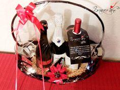 Esta navidad... regala vino de calidad y al mejor precio!!  CANASTA NAVIDEÑA  Asti - Italiano - Espumoso  Lambrusco - Italiano - Tinto espumoso Mision- Baja California -Tinto  OFERTA!!!  $575.00 MXN  *Envío a domicilio.