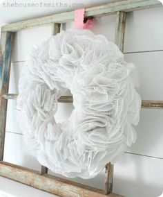 DIY Doily Wreath Tutorial / couronne de Noël en napperons de papier