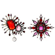Alexander McQueen Asymmetric oversized stud earrings (9.060 RON) ❤ liked on Polyvore featuring jewelry, earrings, accessories, pink, studded jewelry, pink stud earrings, pink earrings, asymmetrical earrings and oversized earrings